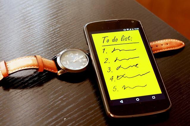 smartphone-570507_640